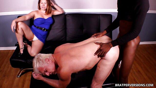 Kelsi Monroe dipukul bokep gogo live terbaru pantatnya dan pussy di tangga.