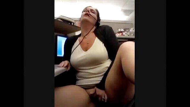 Miranda Miller memiliki pantat remaja ketat nya diisi dengan pipa daging. bokep saat live