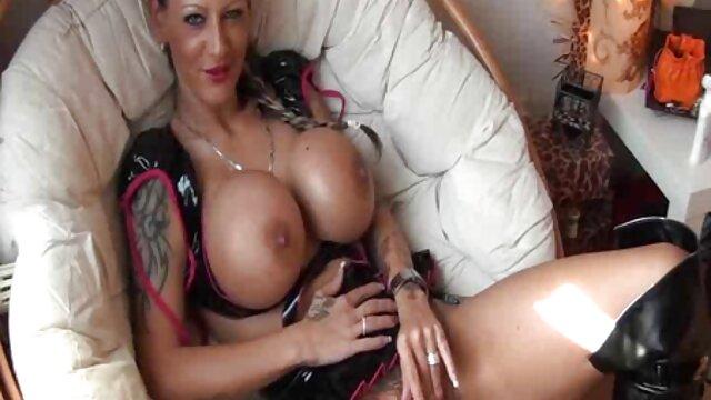 Lesbian gila menjilati bigo live bokep pussies sampai mereka klimaks di eachothers Meut