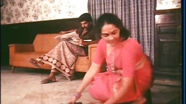 Madu Oriental terbatas karena tiga stubs bokep online bigo bercinta dengan fuchy playstings.