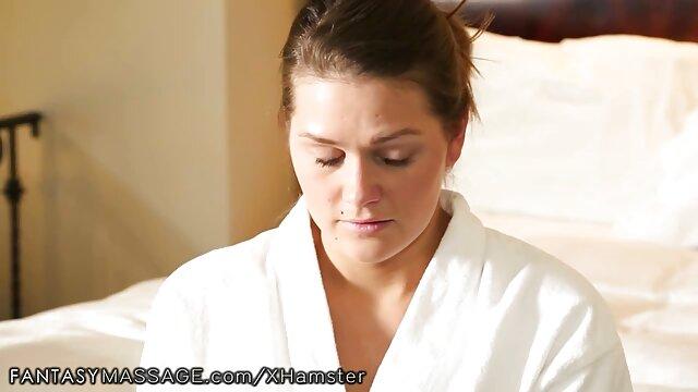 Ibu telanjang dengan pantat tebal masuk ke kamar bokep live 3gp mandi sementara anak Terlihat