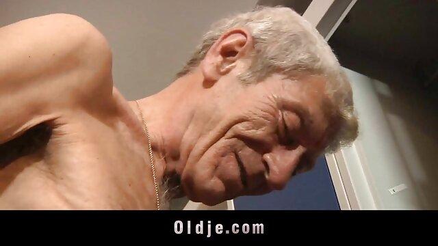 Masseuse menggairahkan klien video bokep di bigo live yang indah dan memakannya