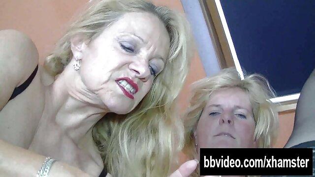 hooters telanjang dengan bangga live sex bokep tampil untuk webcam Beach voyeur