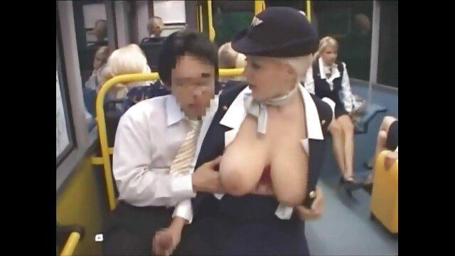 nympho Khloe Kapri ingin pantatnya dibajak bokep online bigo live