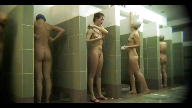 Remaja Lesbian menjaga guru yang video bokep gogo live lebih tua untuk seks.